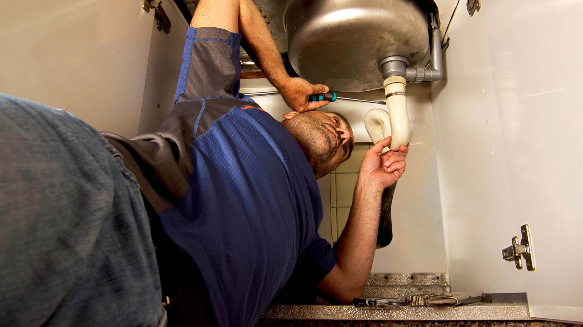 Sink leak detection lakeland